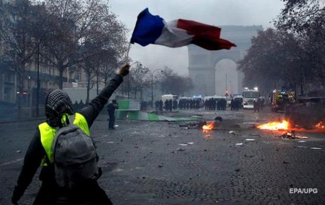 Fransa, olağanüstü hal ilan edilebilir