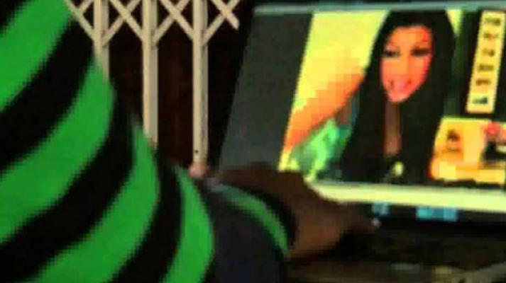 İstanbul Arnavutköy'de internetten tanıştığı kadın adama dehşeti yaşattı