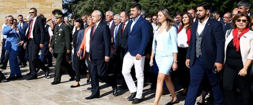 Kılıçdaroğlu, İsmet İnönü'nün vefatının 45'inci yılı vesilesiyle Anıtkabir'de törene katıldı