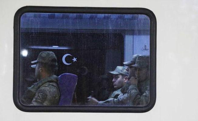 Suriye Sınırına Askeri Sevkiyat Duygusal Anlara Sahne Oldu!