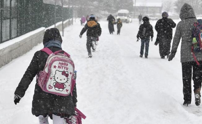 Yoğun Kar Yağışından Dolayı Tekirdağ'da Okullar Bugün ve Yarın Tatil Edildi