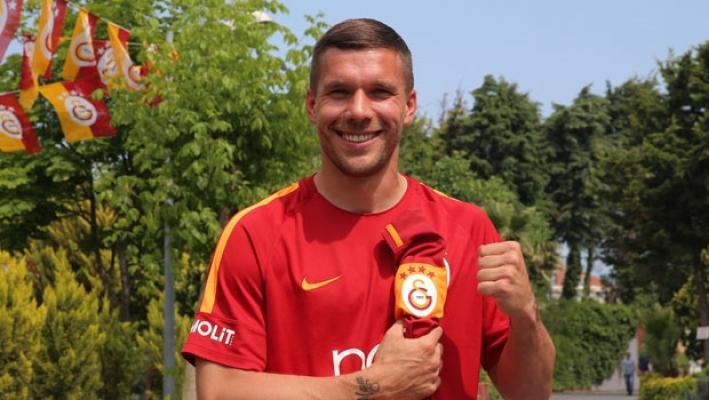 Alman golcü Lukas Podolski dönmek istediğini açıkladı