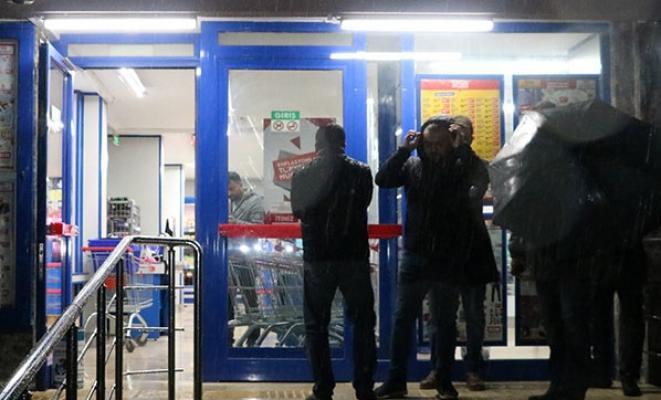 Antalya'da market zincirinin şubesine silahlı soygun