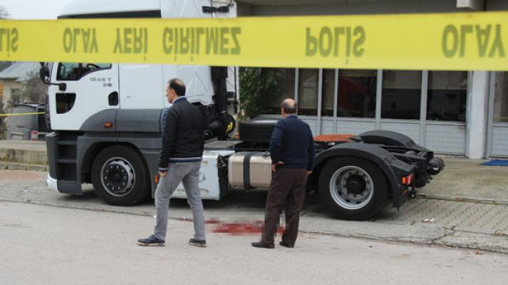Kocaeli Gölcük'te Nakliye şirket müdürü, silahlı saldırıda hayatını kaybetti