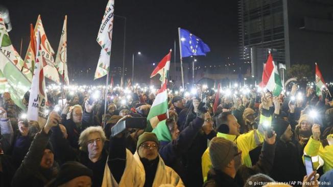 Macaristan, yeni iş kanununa karşı büyük protesto eylemlerine hazırlanıyor
