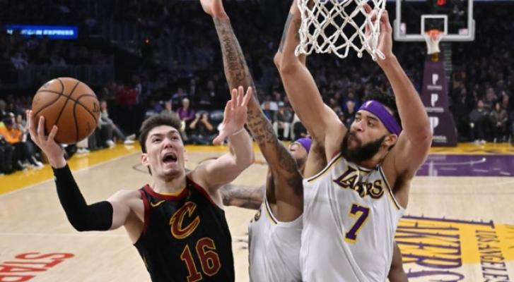 NBA'de Cleveland Cavaliers, Los Angeles Lakers deplasmanından galip ayrıldı