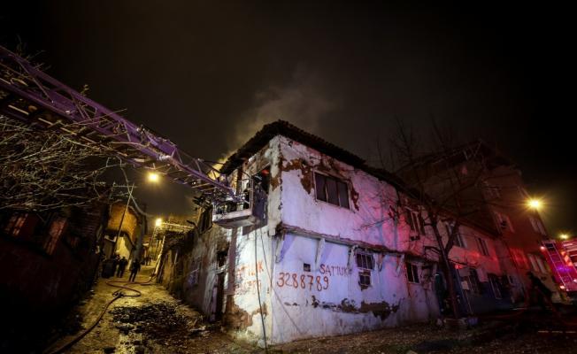 Bursa'da bina yangını