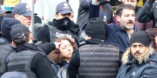HDP'li Vekil Polisin Kolunu Isırdı ! Soruşturma Başlatıldı