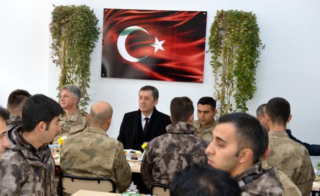 Milli Eğitim Bakanı Selçuk, Tunceli'de