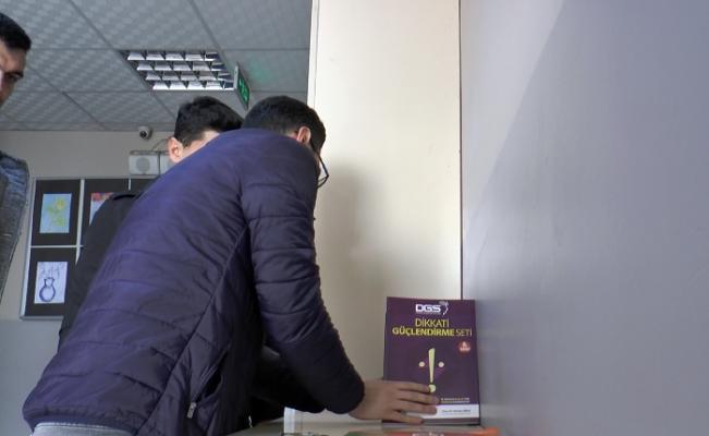 Hatay'daki Zeytindalı Ortaokulu öğretmenlerinin sosyal medyadan kütüphaneye destek çağrısı karşılık buldu