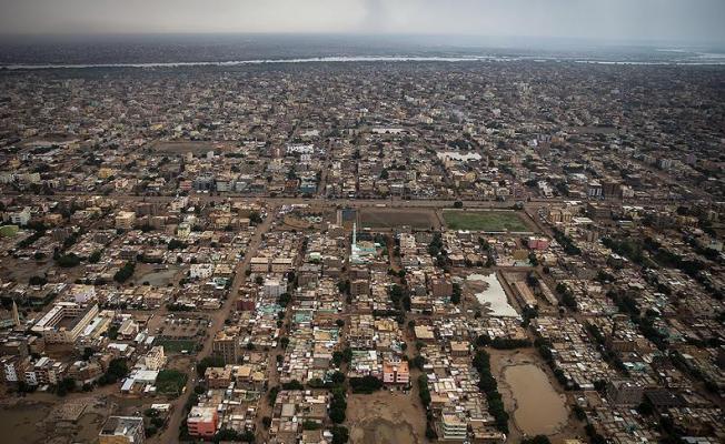 Sudan'da Hükümet Feshedildi! 1 Yıl OHAL İlan Edildi