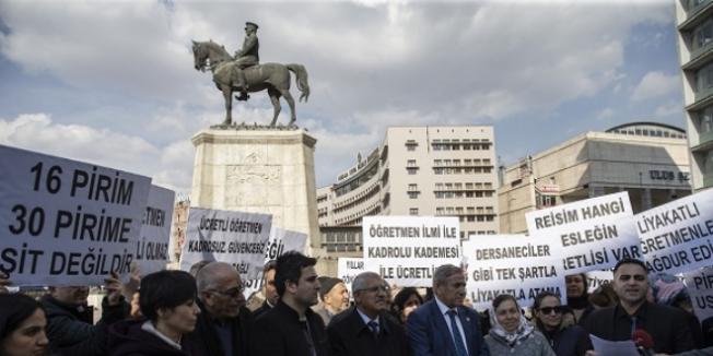 Ücretli Öğretmenler MEB'den Kadro Talep Ediyor