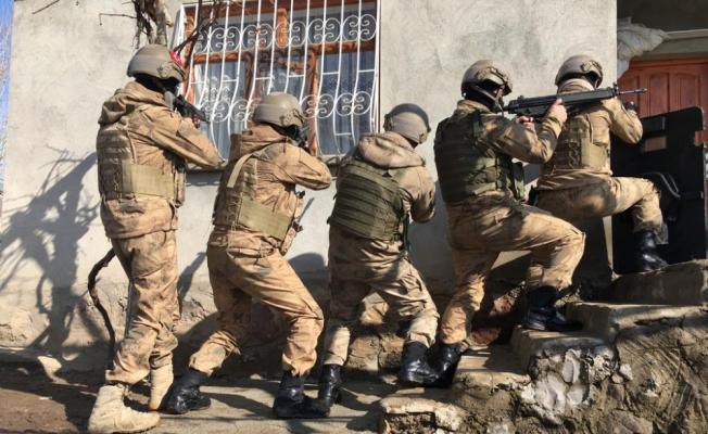 Van merkezli 8 ilde PKK/KCK operasyonu: 16 gözaltı