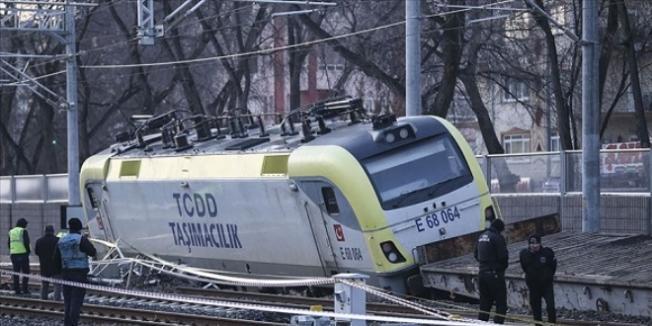 Ankara'da Tren Kazası ! Sincan'da Yük Treni Raydan Çıktı