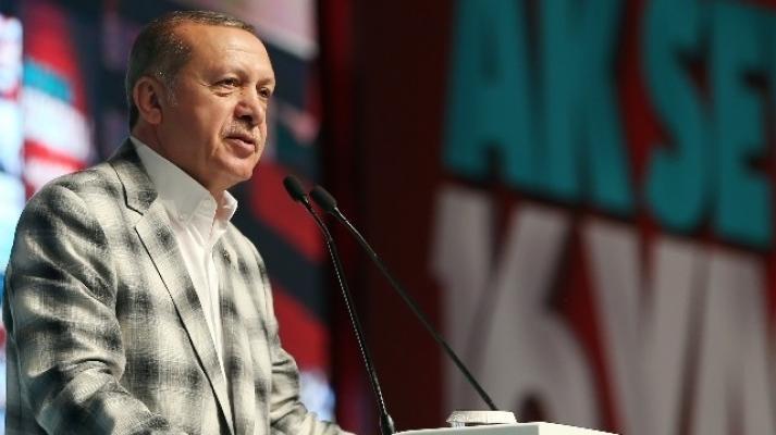 Cumhurbaşkanı Erdoğan Pakistan Milli Günü'nü kutladı