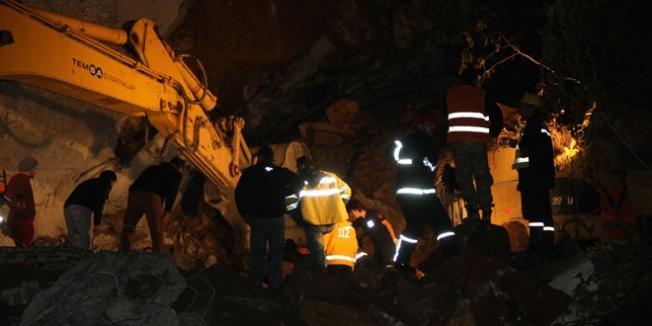 Denizli Honaz'dan Acı Haber- Tünel İnşaatı Göçtü İşçi Hayatını Kaybetti
