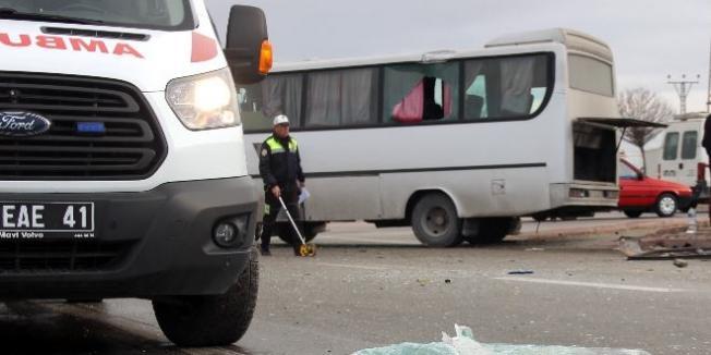 Konya'da Feci Kaza- İşçi Servisi İle Kamyon Çarpıştı Çok Sayıda Yaralı Var