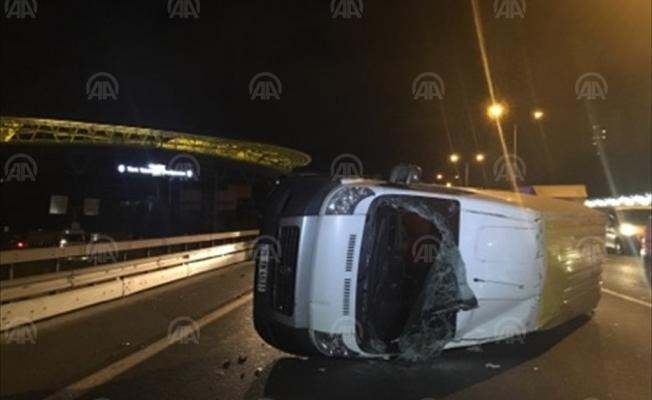 TEM Otoyolu'nda trafik kazası! 2 Yaralı