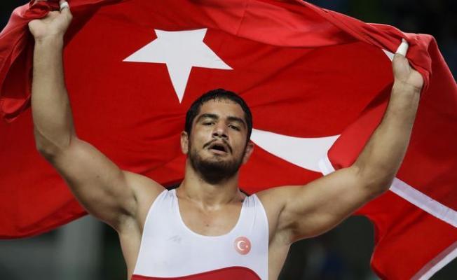 Milli Sporcumuz Tarih Yazdı! Taha Akgül, Avrupa Şampiyonu Oldu