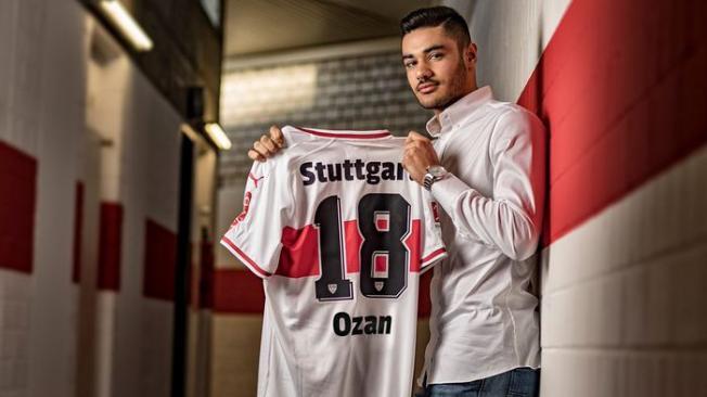 Ozan Kabak Almanya'da Değerlendi- Bundesliga'da Ödül Verildi