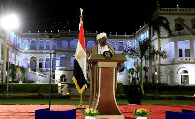Sudan Cumhurbaşkanı Ömer El-Beşir İstifa Etti!