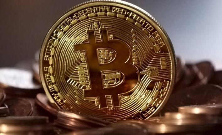 ABD - Çin arasındaki ticaret savaşı Bitcoin'in fiyatını uçurdu! 8 bin dolara yükseldi...