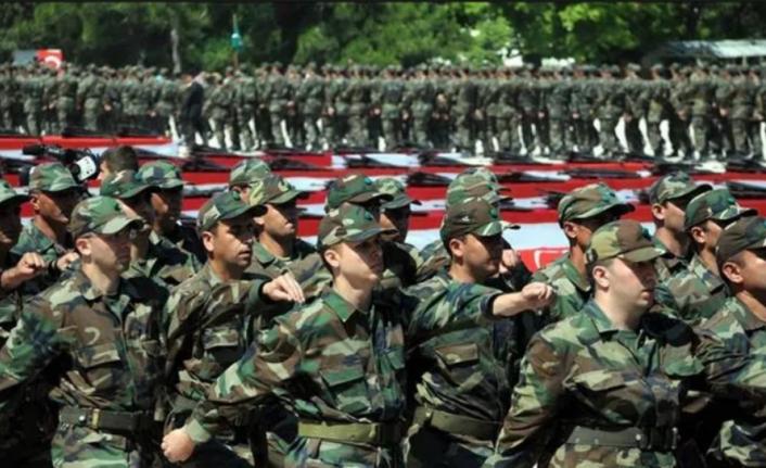 Bakan Akar dün 'yeni askerlik sistemi' sunumunu Beştepe'de gerçekleştirdi! Yeni askerlik sistemi ne zaman yürürlüğe girecek?