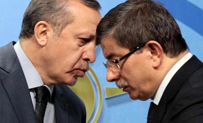 Davutoğlu'nun yeni partisiyle ilgili detaylar ortaya çıktı! Ak Parti'nin eski bakanlarının ismi geçiyor...
