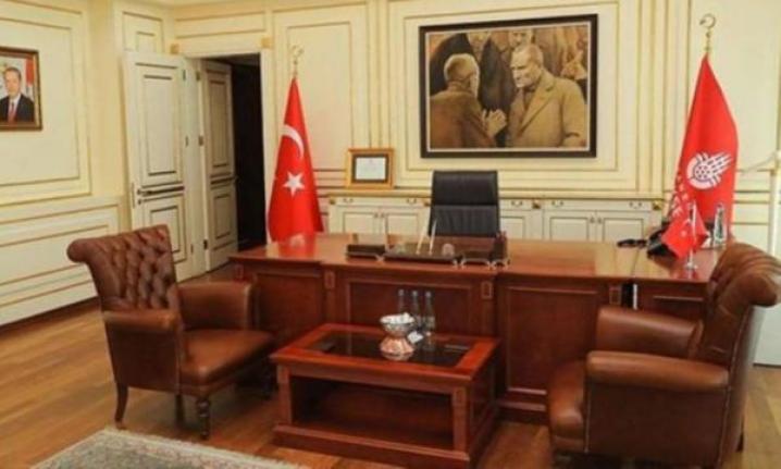 İBB'nin Atatürk portresini İmamoğlu ve ekibi götürdü iddialarına yalanlama geldi!