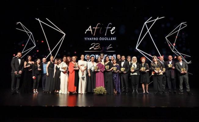 Türkiye'nin En Prestijli Tiyatro Ödülü 23. Afife Tiyatro Ödülleri Sahiplerini Buldu...