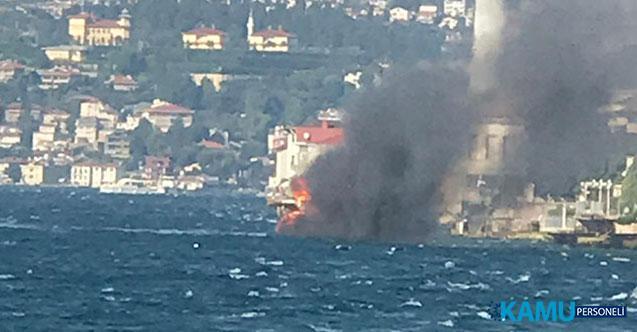 İstanbul, Üsküdar'da Tekne Yangını! Son Anda Denize Atladılar