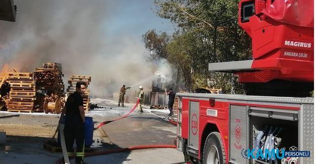 İzmir Bornova'da Büyük Fabrika Yangını ! Çok Sayıda Ekip Sevk Edildi