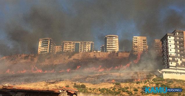 İzmir'in Bayraklı İlçesindeki Ormanlık Alanda Yangın Çıktı! Ekiplerin Havadan Ve Karadan Müdahalesi Devam Ediyor