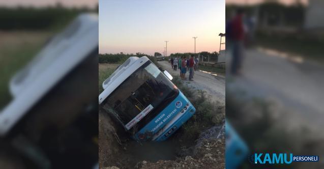 Mersin'in Tarsus ilçesinde belediye otobüsü devrildi! 4 Yaralı