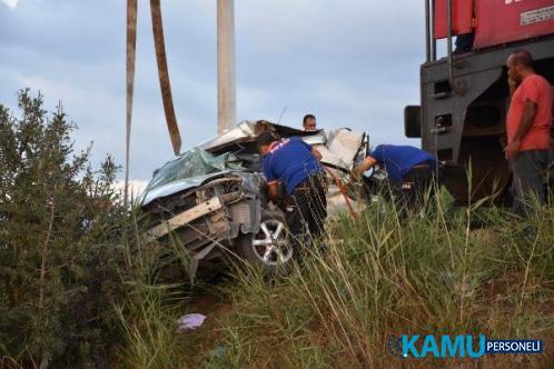 Sivas'ın Şarkışla İlçesinde Lokomotif Hemzemin Geçitte Otomobile Çarptı! 1 Ölü, 2 Yaralı!