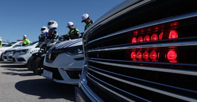 """Kamuda """"çakar lamba"""" kısıtlaması 1 Kasım'da başlıyor! Müdürler araçlarından tek tek söküyorlar..."""