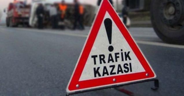 Gece yarısı feci kaza otomobil TIR'a çarptı:  Ölü ve yaralılar var!