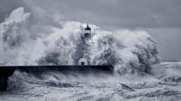 Uzmanlardan Korkutan Deprem Uyarısı: Tsunami Olabilir