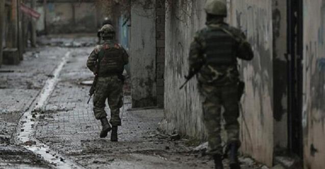 Hakkari'den üzen haber: 3 askerimiz yaralı