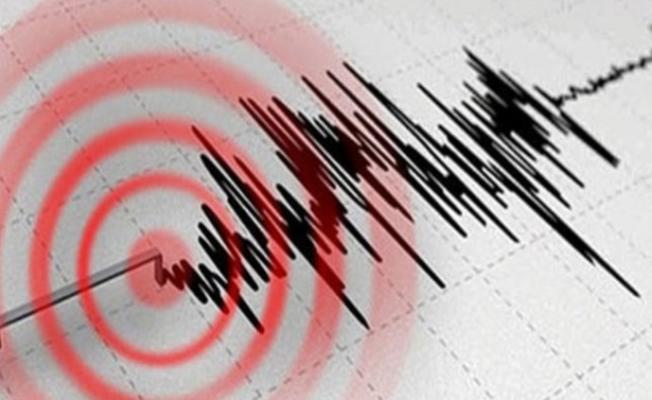 Akdeniz yine sallandı! Marmaris'te deprem!