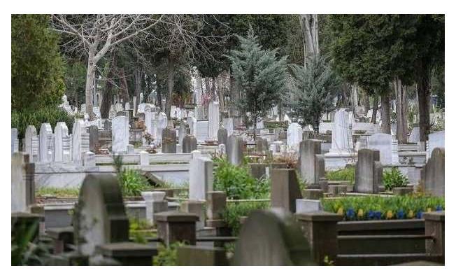 Bedeli 34 bin liraya kadar çıkıyor! İBB Mezarlıklar Daire Başkanı uyardı!