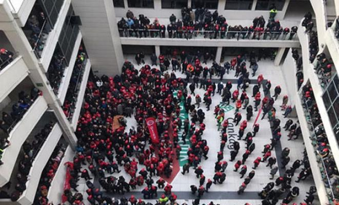 İşçilerin bastığı belediyeden açıklama geldi: Tüm personel maaşları...