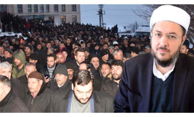 Nakşibendi Şeyhi Abdulkerim Çevik'in cenazesine binlerce kişi katıldı