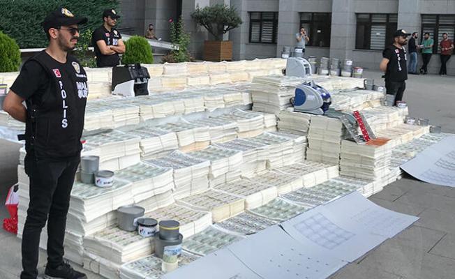 Sahte dolar baskını! İstanbul'da operasyon
