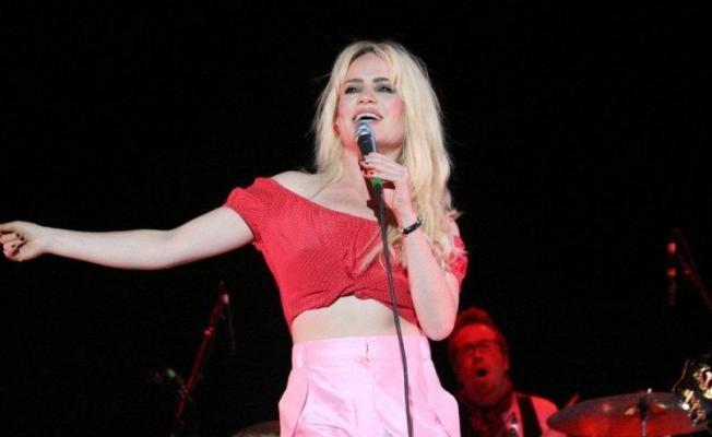 Grammy ödüllü ünlü şarkıcı Duffy tecavüze uğradığını ve birkaç gün esir tutulduğunu açıkladı!
