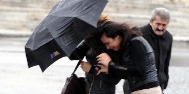 Meteoroloji uyardı: O illere kuvvetli rüzgar ve fırtına geliyor!