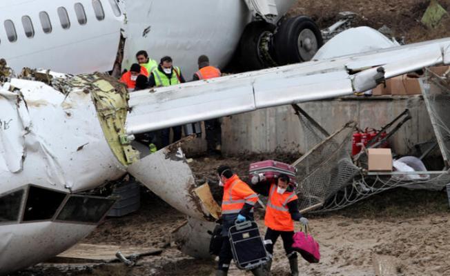 Uçak kazasında 3 şüphe! Kemer hayat kurtardı!  Enkaz çalışmaları sürüyor