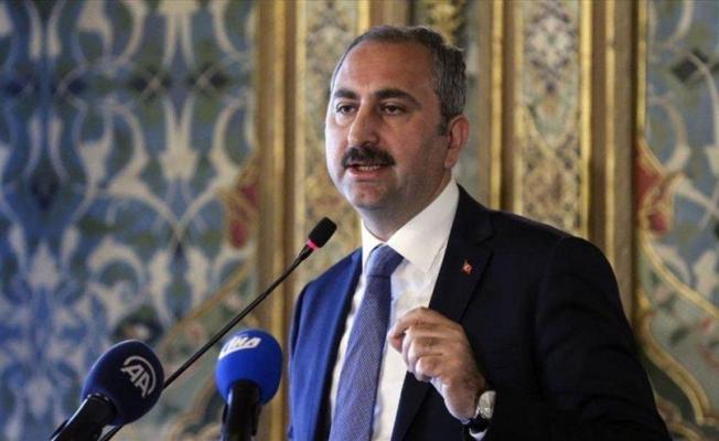 Cezaevlerinde görevli personeller evlerine gönderilmeyecek! Adalet Bakanı yeni tedbirleri açıkladı!
