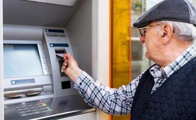 Emeklilere 2 bin TL bayram ikramiyesi verilmesi istendi!