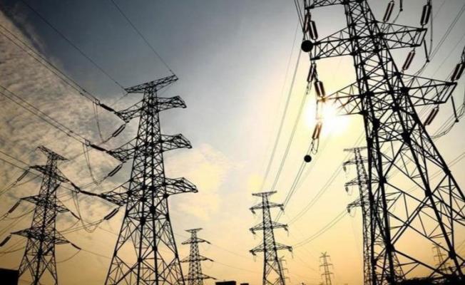 O elektrik dağıtım şirketlerinden sevindirici haber: Abonelerin elektrikleri kesilmeyecek!